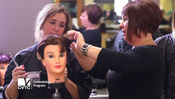 Best Colleges for Cosmetology