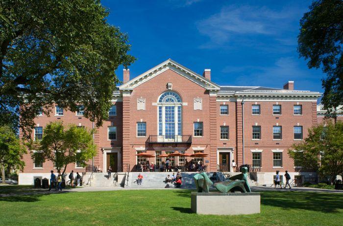 Brown University Acceptance Rate - 2021 HelpToStudy.com 2022