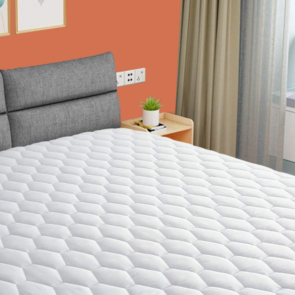 EMONIA Queen Mattress Pad with a Soft and Smooth Cooling Feature