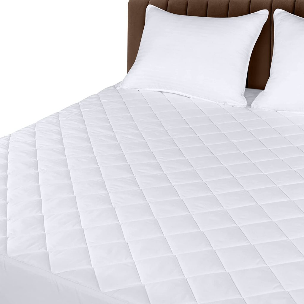 Utopia Bedding Quilted Fitted Mattress Pad with Elastic Fitted Mattress Protector